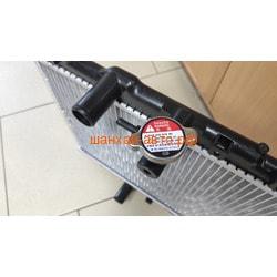 Радиатор охлаждения (под 2 вентилятора) Geely MK Cross 1016003403. Вид 2